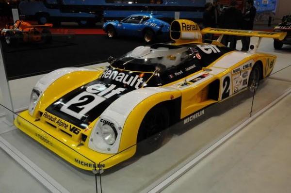 Rétromobile-2016-Linoubliable-Alpine-A442-victorieuse-des-24-Heures-du-Mans-1978-avec-PIRONI-JAUSSAUD-Photo-Charles-Emme