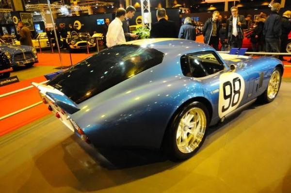 Rétromobile-2016-Originale-ou-réplique-peu-importe-la-Cobra-Daytona-est-un-mythe-Photo-Charles-Emme