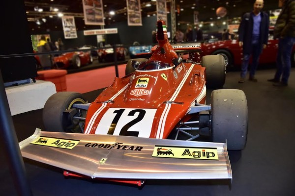 RETROMOBILE-2016-FERRARI-F1-Championn-du-Monde-en-1975-avec-NIKI-LAUDA-Photo-Max-MALKA
