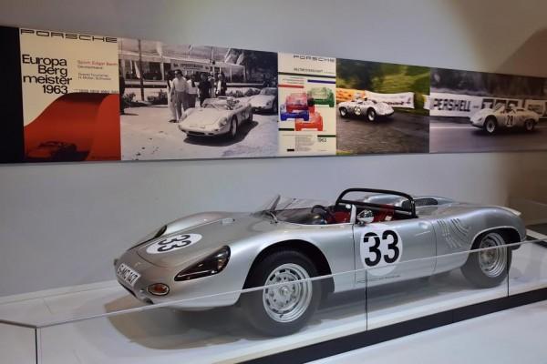 RETROMOBILE-2016-La-718-Championne-dEurope-des-courses-de-cote-en-1963