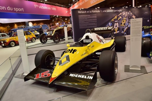 RETROMOBILE 2016 Le stand RENAULT avec la F1Turbo d'Alain PROST de 1982 Photo Max MALKA.