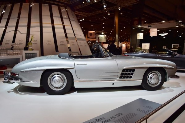 RETROMOBILE-2016-MERCEDES-300SL-Cab-de-1959