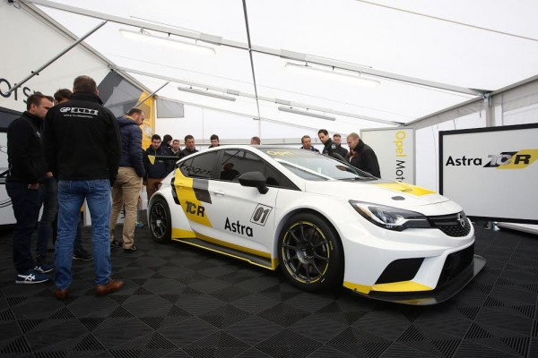 TCR-Opel-Astra-Mettet-Photo-Letihon.