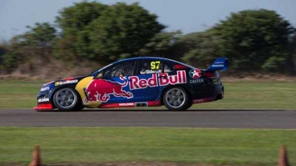 V8-SUPERCARS-2016-ALEX-PREMAT-epaulera-SHANE-VAN-GIBERGEN-au-sein-du-Team-RED-BULL-TRIPLE-EIGHT.