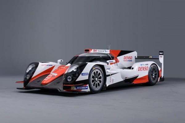 WEC-2016-La-TS040-2015-aux-nouvelles-couleurs-TOYOTA-GAZOO-Racing