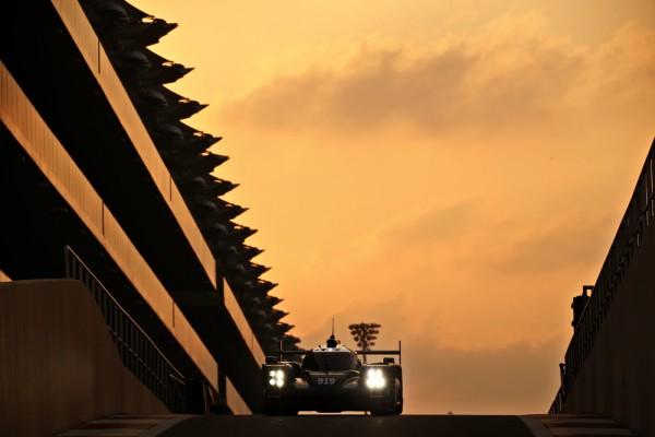 WEC-2016-YAS-MARINA-ABOU-DHABI-Test-equipe-PORSCHE-16-fevrier-Porsche-919-Hybrid-Timo-Bernhard-Brendon-Hartley-Mark-Webber