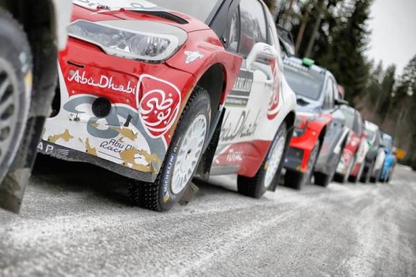 WRC-2016-SUEDE-Les-voitures-avant-le-depart-de-lES2