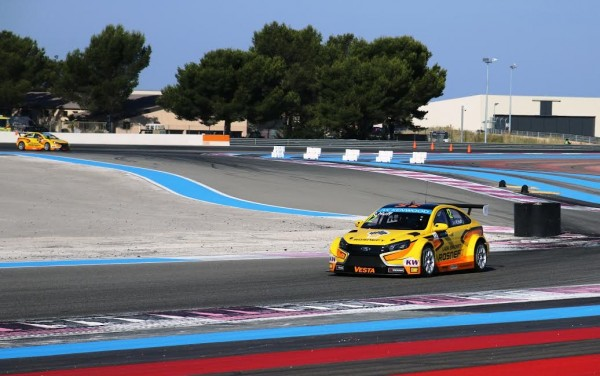 WTCC-2015-PAUL-RICARD-LADA-VESTA-de-ROB-HUFF-Photo-Jean-Francois-THIRY