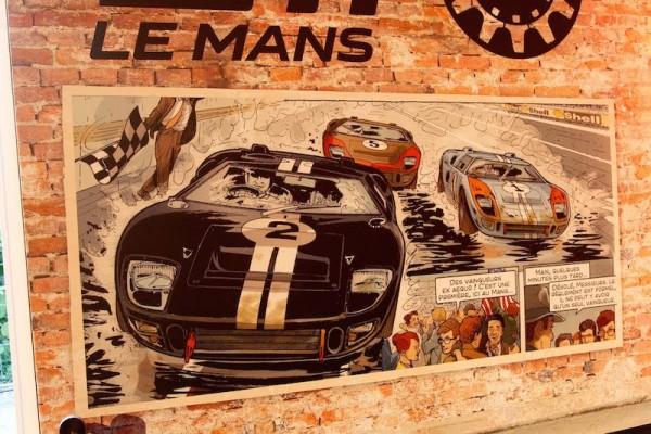 24-HEURES-DU-MANS-2015-Expositionb-DUEL-FORD-FERRARI-des-années-La-Ford-GT-40-en-BD-Photo-Patrick-MARTINOLI.