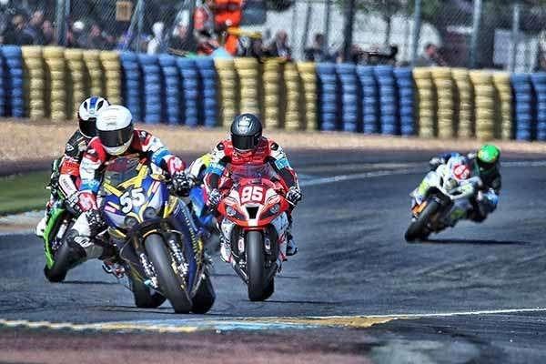 24HEURES 2015 National Motos dans le coup.
