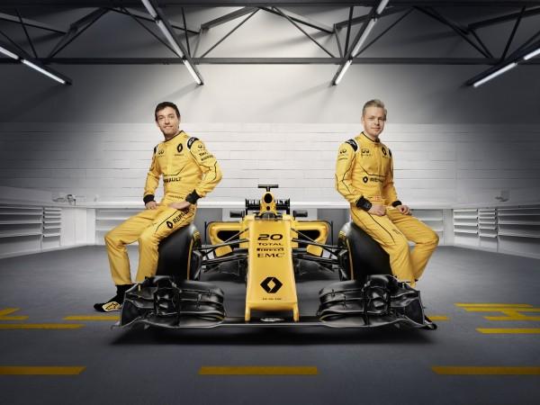 F1-2016-16-GP-AUSTRALIE-MELBOURNE-16-MARS-Présentation-de-la-livree-de-la-nouvbelle-RENAULT-à-SYDNEY-avec-PALMER-et-MAGNUSSEN