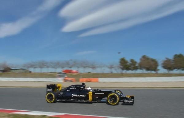 F1-2016-BARCELONE-Test-MONTMELO-Mardi-1er-mars-La-RENAULT-de-KEVIN-MAGNUSSEN-Photo-Antoine-CAMBLOR.