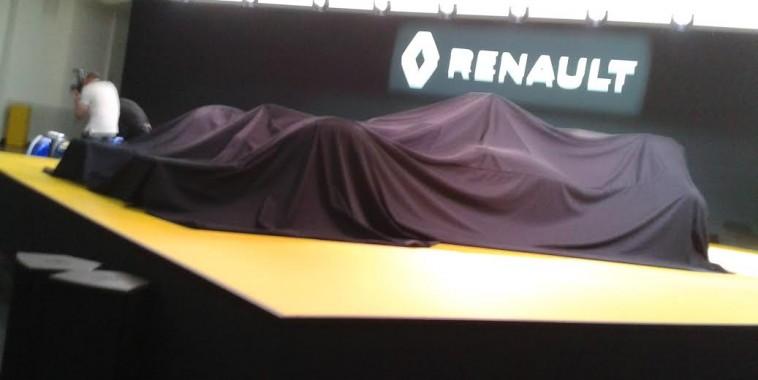 F1-2016-La-future-RENAULT-avant-sa-présentation-le-3-fevrier-au-TECHNOCENTRE-RENAULT