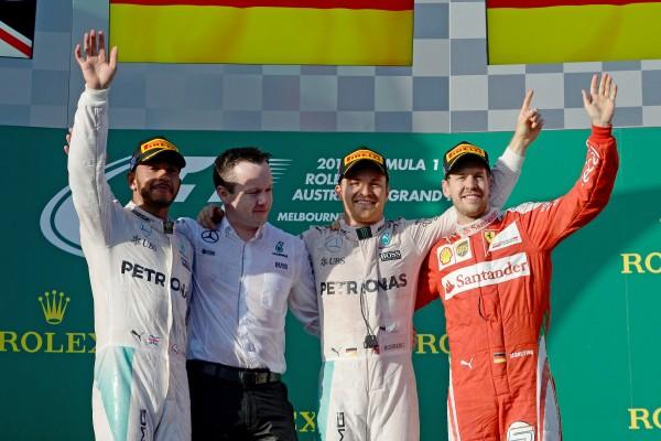 F1 2016 MELBOURNE- Le 1er podium de la saison avec ROSBERG 1er devant HAMILTON et VETTEL - On prend les mêmes et Photo PIRELLI