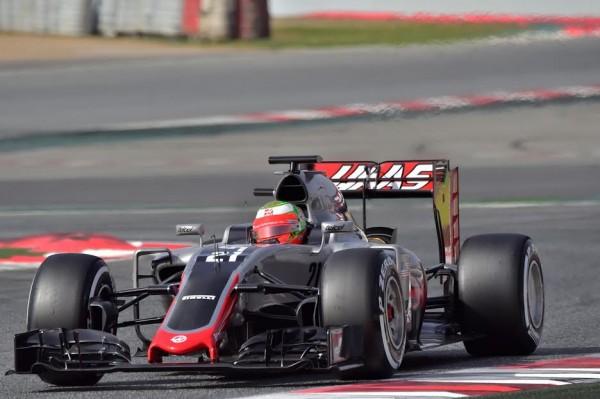 F1-2016-MONTMELO-23-février-Esteban-GUTIERREZ-au-volant-de-lav-HAAS-Photo-Max-MALKA-