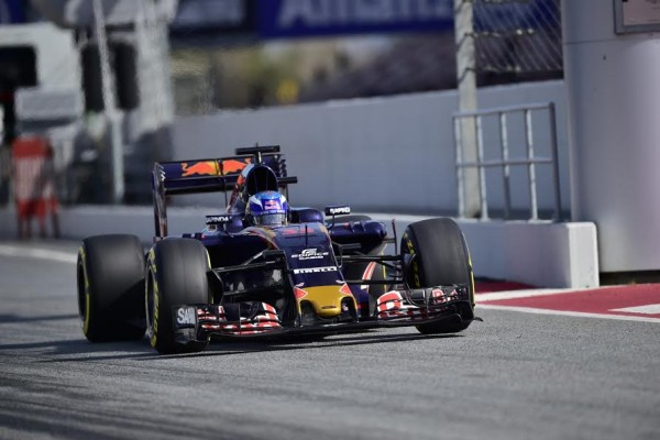 F1-2016-MONTMELO-CATALUNYA-Jeudi-3-Mars-CARLOS-SAINZ-Junior-TORO-ROSSO-Photo-MAX-MALKA