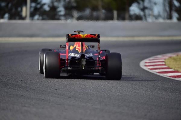 F1-2016-MONTMELO-CATALUNYA-Jeudi-3-Mars-RED-BULL-de-RICCIARDO-Photo-MAX-MALKA