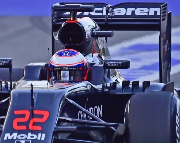 F1-2016-MONTMELO-Jeudi-25-Fevrier-JENSON-BUTTON-Photo-Max-MALKA.