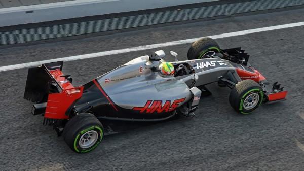F1-2016-MONTMELO-Jeudi-25-Fevrier-La-HAAS-de-ESTEBAN-GUTIERREZ-Photo-ANTOINE-CAMBLOR