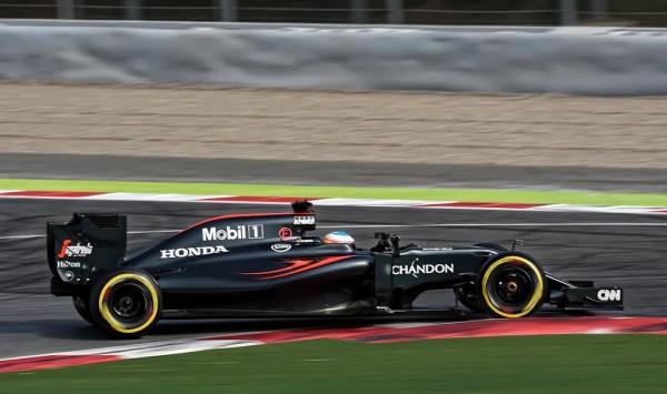 F1-2016-MONTMELO-Jeudi-3-mars-La-McLAREN-HONDA-de-FERNANDO-ALONSO-Photo-ANTOINE-CAMBLOR