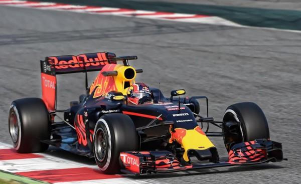 F1-2016-MONTMELO-Jeudi-3-mars-LaRED-BULL-de-DANIIL-KVYAT-Photo-ANTOINE-CAMBLOR