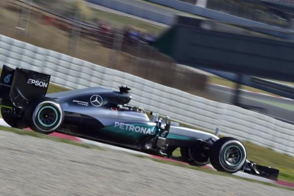 F1-2016-MONTMELO-Mercredi-2-mars-HAMILTON-MERCEDES-W07-Photo-Max-MALKA.
