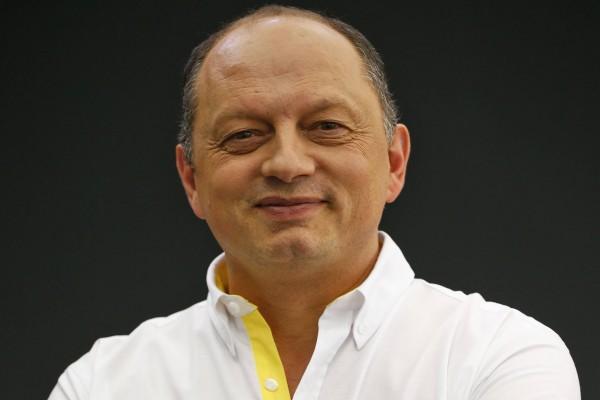F1 2016 - MONTMELO - Stand RENAULT - Frédéric VASSEUR - Lundi 22 fevrier sur le circuit de CATALUNYA.