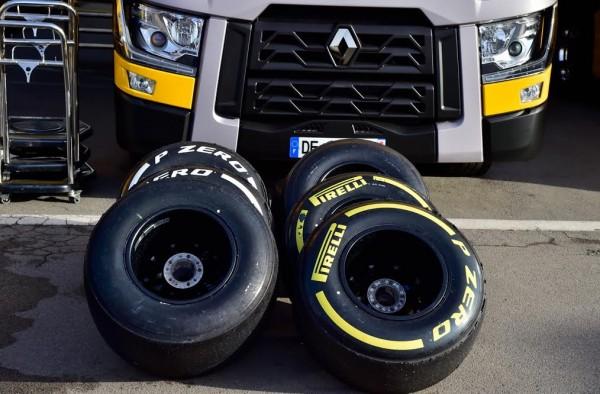 F1-2016-MONTMELO-les-pneumatiques-PIRELLI Photo Antoine CAMBLOR