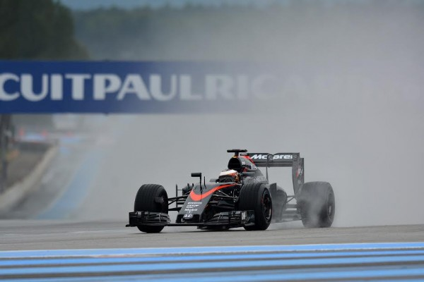 F1-2016-PAUL-RICARD-Essai-Pneumatiques-PIRELLI-STOFFEL-VANDOORNE-Team-McLAREN-HONDA-mardi-26-Janvier-Photo-Max-MALKA