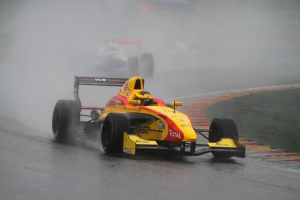 F1-2016-Soffel-Vandoorne-en-Série-Renault-2.0-©-Manfred-GIET