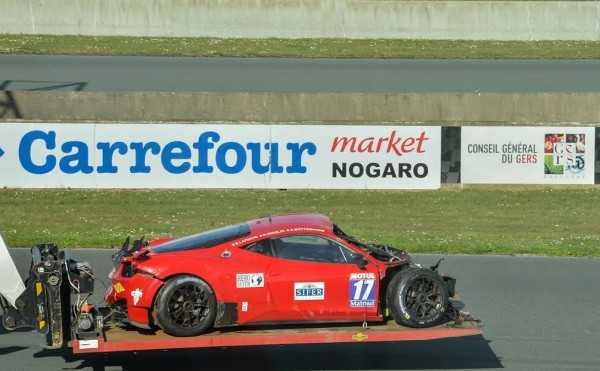 GT-TOUR-2016-NOGARO-La-FERRARI-de-STRTATEGIC-apres-le-crash-Photo-Antoine-CAMBLOR