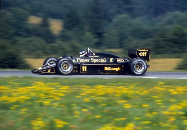 Johnny DUMFRIES en 1986 au GP d'Autriche-Lotus 96 T-© Manfred GIET