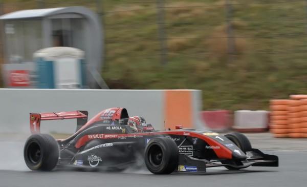 VdeV-2016-MONTMELO-La-Formule-Renault-2.0-de-OSCAR-ARCILA-Photo-Antoine-CAMBLOR