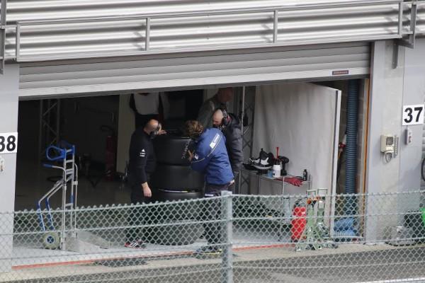 WEC-2016-Test-Porsche-à-Spa-le-30-mars-2016-Chez-Michelin-on-teste-deja-les-pneus-pour-Silverstone-©-Manfred-GIET