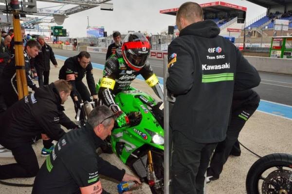 24 HEURES DU MANS 2016 - Mathiu Lagrive Kawasaki N° 11 au ravitaillement.