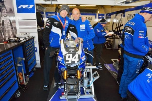 24-HEURES-DU-MANS-MOTOS-2016-David-Checa-en-confiance-avec-William-Costes-le-manager-sportif-de-la-Yamaha-N°-94