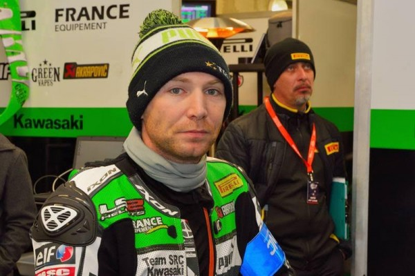 24-HEURES-DU-MANS-MOTOS-2016-Gregory-Leblanc-Kawasaki-N°-11-attend-son-heur