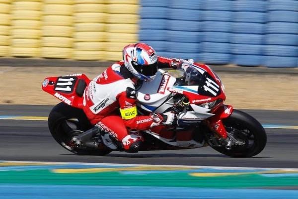 24-HEURES-DU-MANS-MOTOS-2016-La-Honda-peu-à-laise-aux-essais.