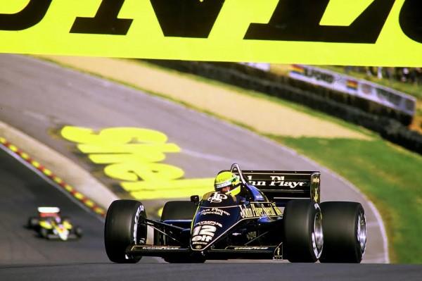 Ayrton-SENNA-Brands-Hatch-1986-©-Manfred-GIET-.