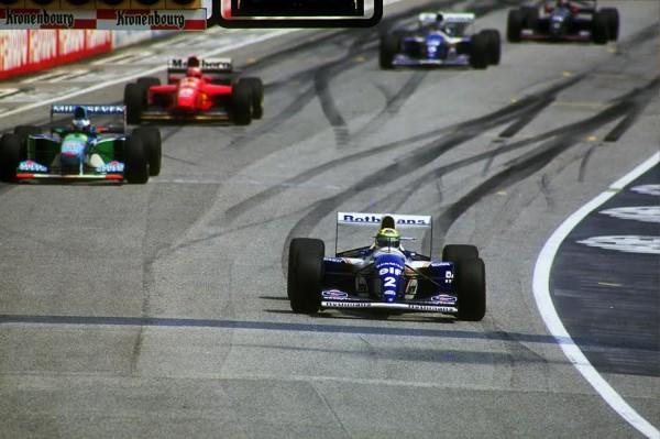 Ayrton-SENNA-Imola-le-01-mai-1994-son-dernier-départ-©-Manfred-GIET-
