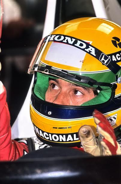 Ayrton-SENNA-Silverstone-1990-©-Manfred-GIET
