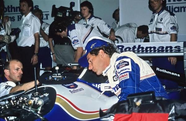 Ayrton-SENNA-dès-ses-débuts-chez-Williams-il-se-plaignait-de-sa-position-inconfortable-au-volant-©-Manfred-GIET