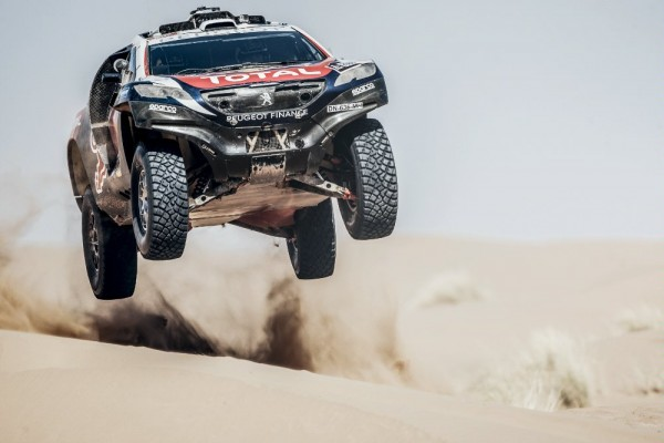 CHINA-SILK-ROAD-RALLY-2015-PEUGEOT2008-DKR-Stephane-PETERHANSEL