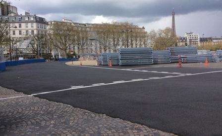 Courbe de la Place Vauban - A noter l'enrobé bitumineux recouvrant les pavés