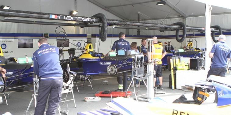 Dam's Renault