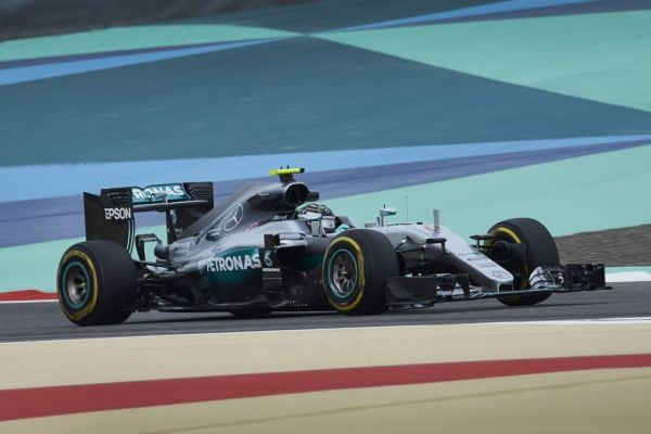 F1-2016-BAHREIN-MERCEDES-de-Nico-ROSBERG