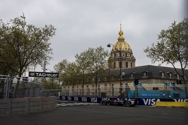 FORMULE-E-2016-PARIS-SAM-BORD-E-POLE-LE-23-ABRIL