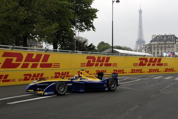 FORMULE-E-2016-PARIS-Seb-BUEMI-Photo-Bernard-BAKALIAN