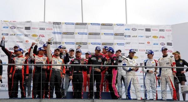 Le Mans V de V 23 Avril 2016 Le Podium des deux catégories des protos Photo Thierry COULIBALY.
