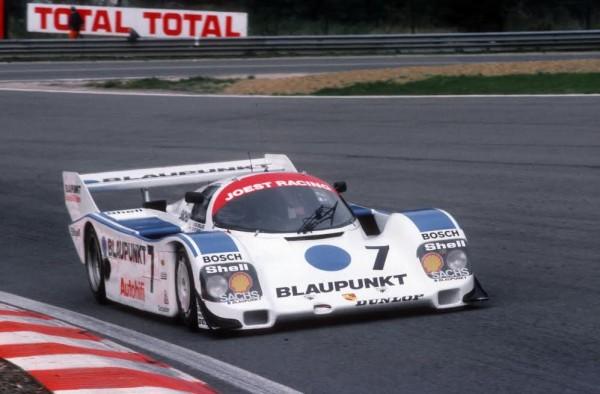 Paolo-BARILLA-1000-Km-de-Spa-1988-avec-le-regretté-Bob-WOLLEK-©-Manfred-GIET.